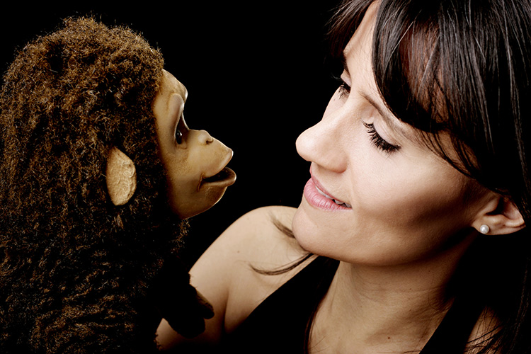 Nina Conti – In Your Face