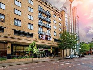 Clayton Hotel Belfast ****